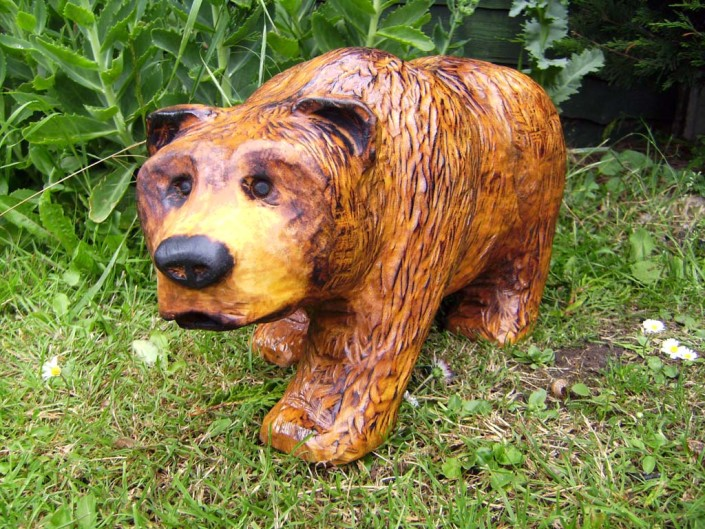 Chainsaw Sculpture Gallery | Small bear on all fours