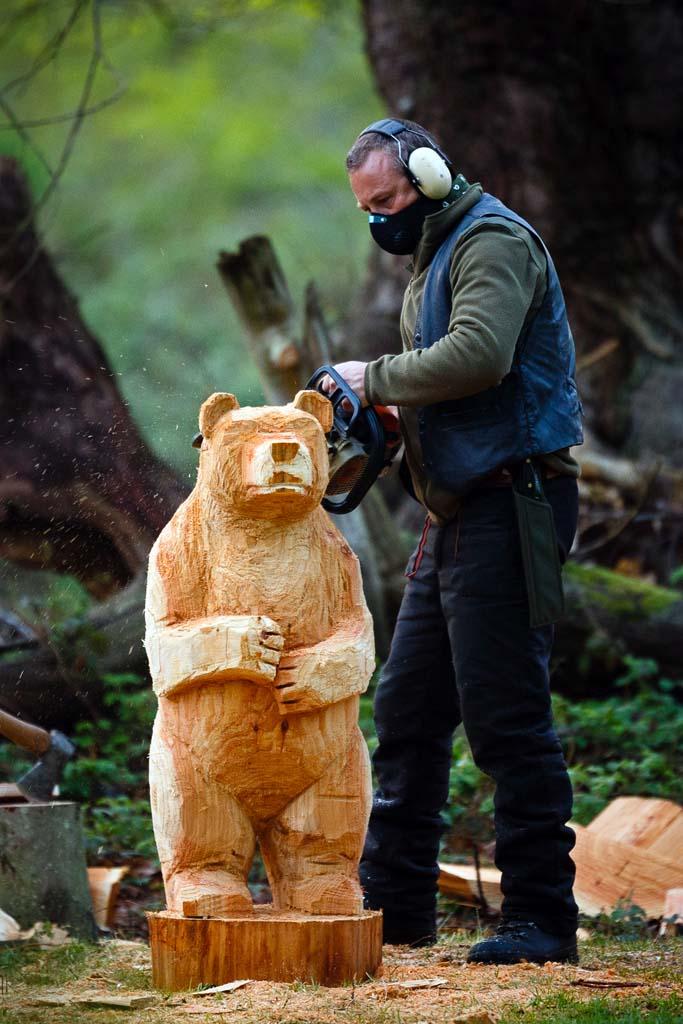 Shaun Gilbert Chainsaw Sculptor & Artist